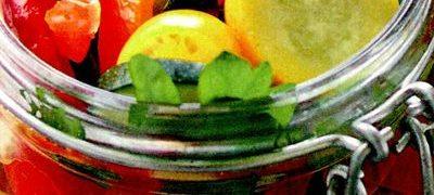 Conserva de ardei grasi umpluti cu varza rosie