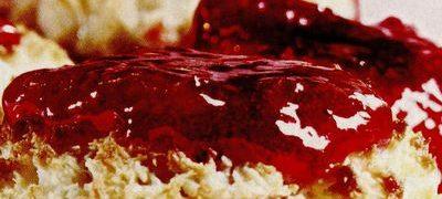 Tartă de nuci cu fructe