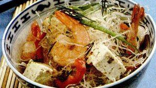 Salata_cu_fidea_de_orez_si_creveti