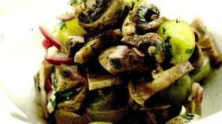 Salata de struguri si ciuperci