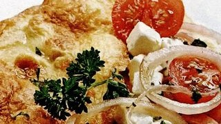 Omleta cu branza si legume proaspete