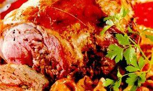 Rulada_cu_carne_de_porc_si_ciuperci