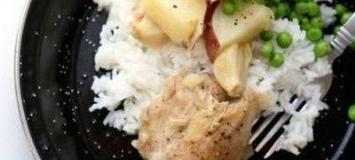 Pui_cu_cartofi_noi_pe_pat_de_orez_cu_mazare_04
