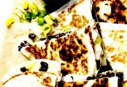 Quesadillas_de_pui_cu_salsa_de_mango