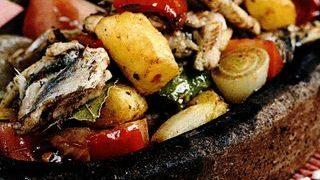 Salata de peste cu legume