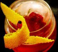 Cocktail cu rom si lichior de portocale