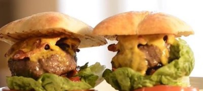 How_to_make_Burgers_topped_with_Bacon_Cheese_and_Tomato_Relish_(VIDEO)