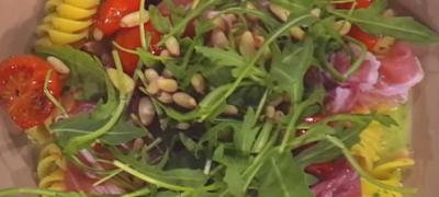 How_to_make_Cherry_tomato_and_parsley_pesto_pasta