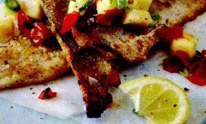Peste_prajit_cu_salsa_de_rosii