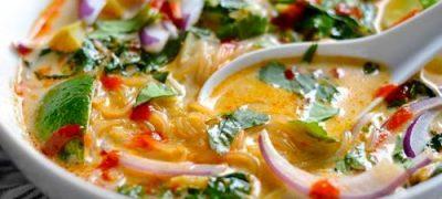 Supa_cu_fidea_de_orez_si_pasta_de_curry_06