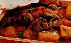 Tocana_taraneasca_cu_carne_de_porc