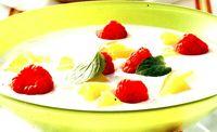 Desert cu zara si fructe