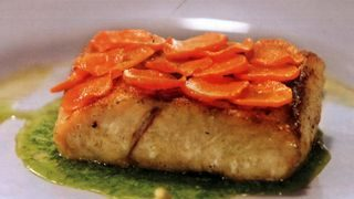 Biban cu morcovi si sos verde
