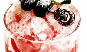 Cocktail_cu_afine_si_capsuni