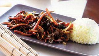 Pui cu legume in stil asiatic