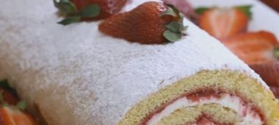 How_to_make_Strawberry_Swiss_Roll
