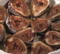 baked_figs_with_cinnamon