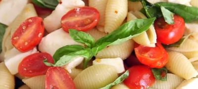 How_to_make_Caprese_Pasta_Salad