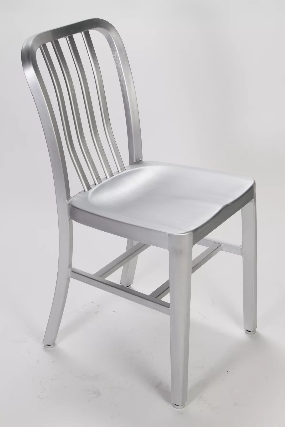 Aluminum Restaurant Chairs  12 Reasons to Choose