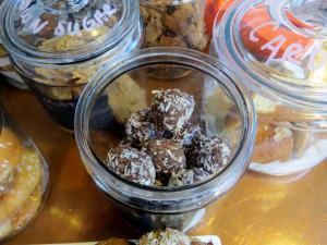 Chokladbollar (Chocolate Balls)