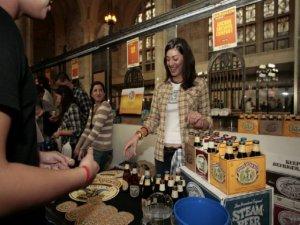 Brooklyn-Pour-Female.jpg640
