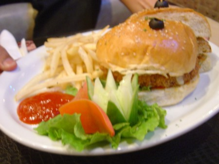 Chicken Ranch Burger -Studio Cafe