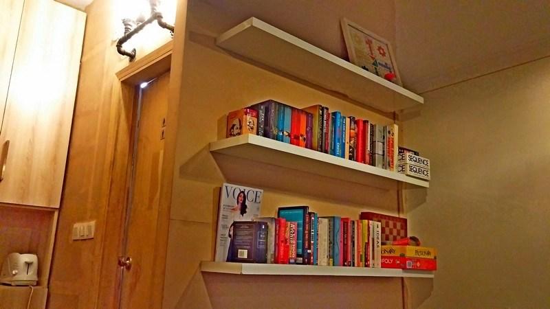 Floc bookshelf