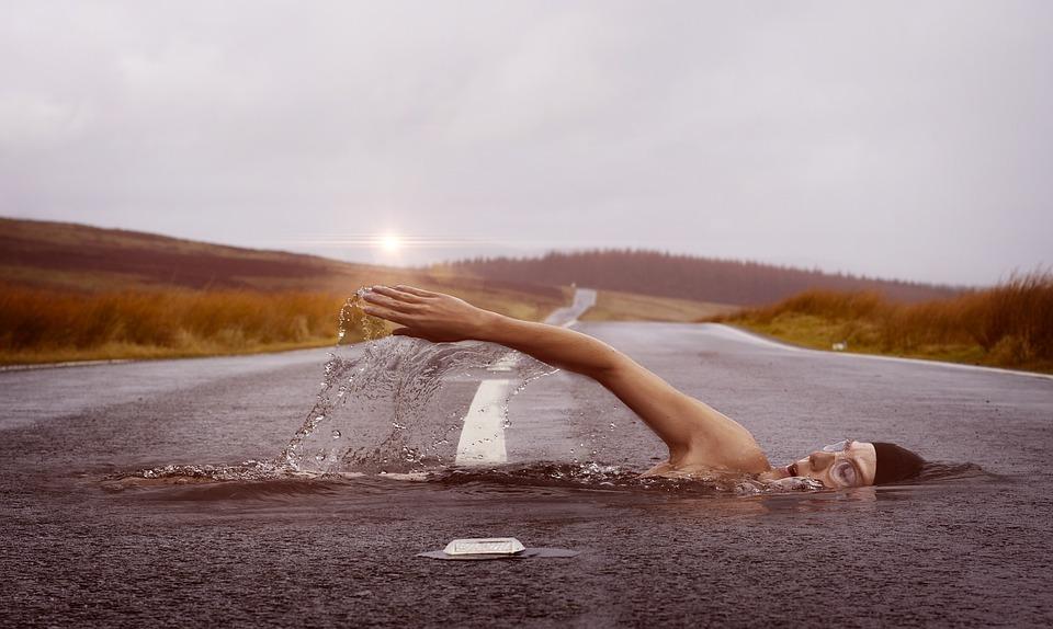 swimmer-1678307_960_720