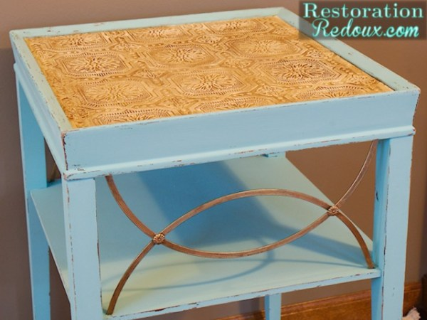 $5 Side Table Make-Over!  A simple way to refinish and paint a side table to make it spectacular!  #furniture #furnituremakeover #refinishing #diy #table