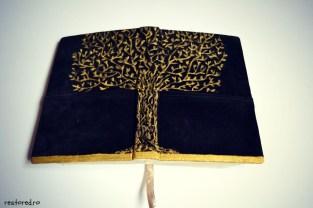 Biblie piele copac negru auriu3