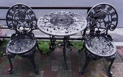 How to Restore Old Metal Furniture