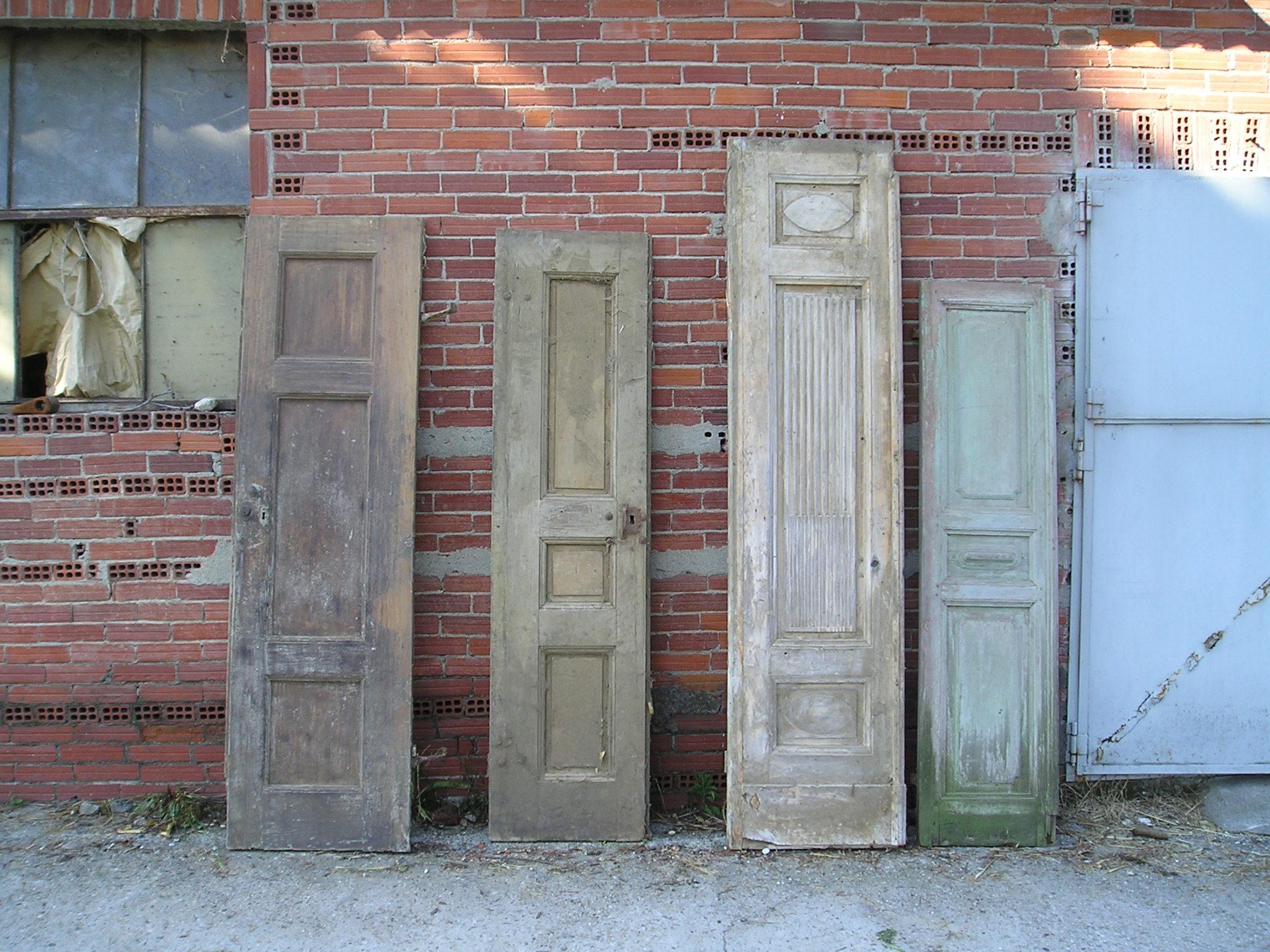 Porte antiche riproduzioni o originali restaurate