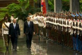 Cuban President Raul Castro and Chinese Premier Li Keqiang at Revolution Palace, photo: Ismael Francisco