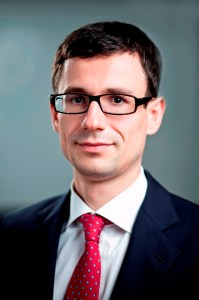 Claudiu Cazacu, Analist-sef, XTB Romania