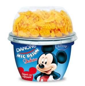 Delicios-Mic-Dejun-iaurt cu capsuni (Mickey)