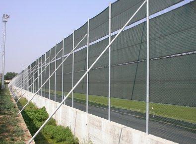 Rete Plastic  Vendita al dettaglio e allingrosso di pali e saette per recinzioni