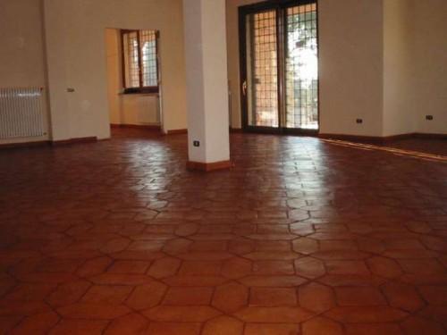 Pulizia e trattamento pavimento cotto  Roma