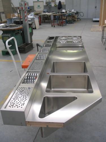 Lavorazione acciaio inox su misura  Morbegno