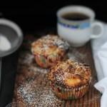 Muffins cu pere si capsuni