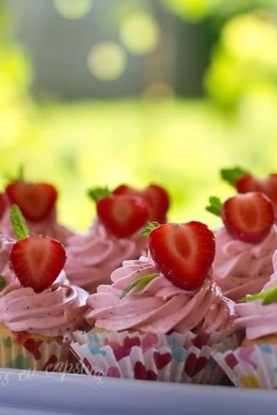 cupcakes cu capsune 1