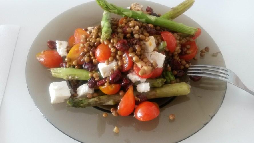 Salata de linte cu sparanghel