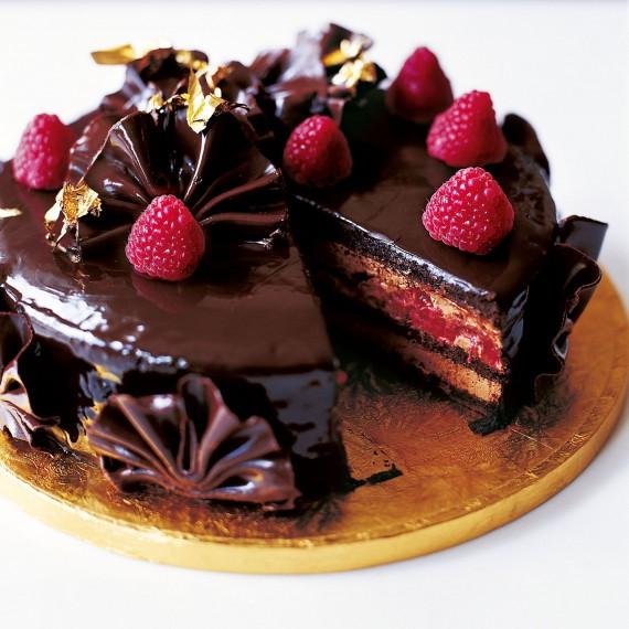 tort de ciocolata si zmeura