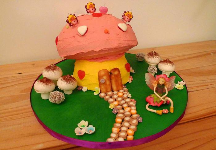 Mushroom-Cake-by-foilman