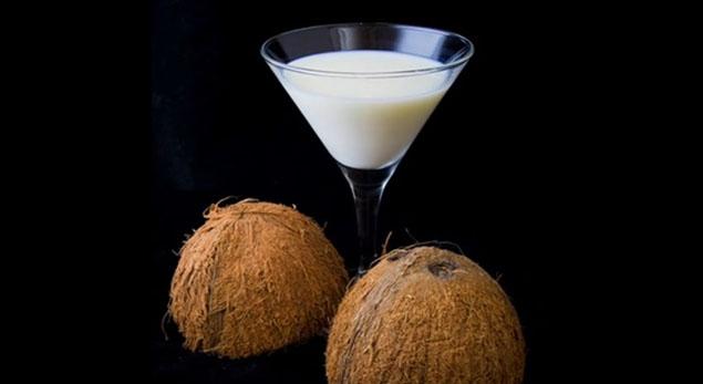cum-facem-laptele-de-cocos-acasa