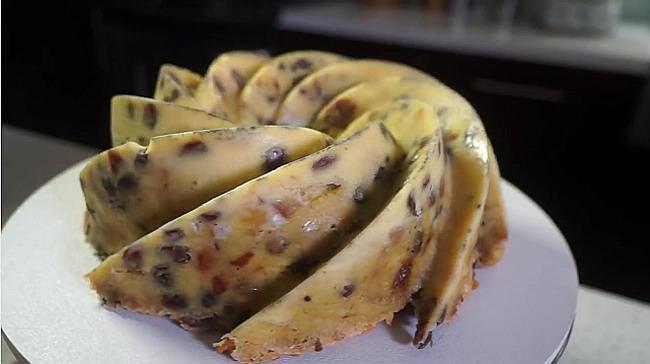 Budinca-de-paine-cu-fructe-uscate