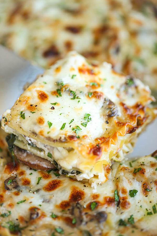 Reteta lasagna cremoasa cu spanac si ciuperci