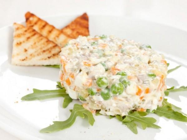 Reteta de salata de boeuf vegetariana