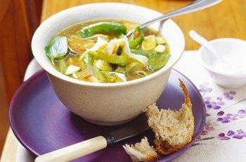 Reteta supa de legume cu praz si dovlecei