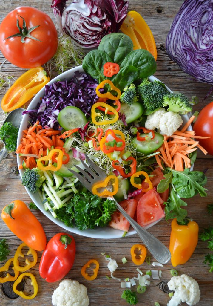 Salad and vegetables are key to a healthy diabetic lifestyle