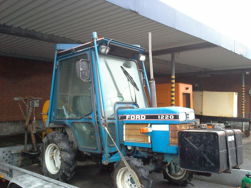 hight resolution of ford 1220 traktor med spil p brenderup tiptrailer ford 1220 tractor with winch on brenderup